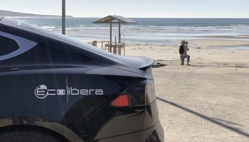 Riparte il World Tour Ecolibera in Tesla: è la volta dell'Australia