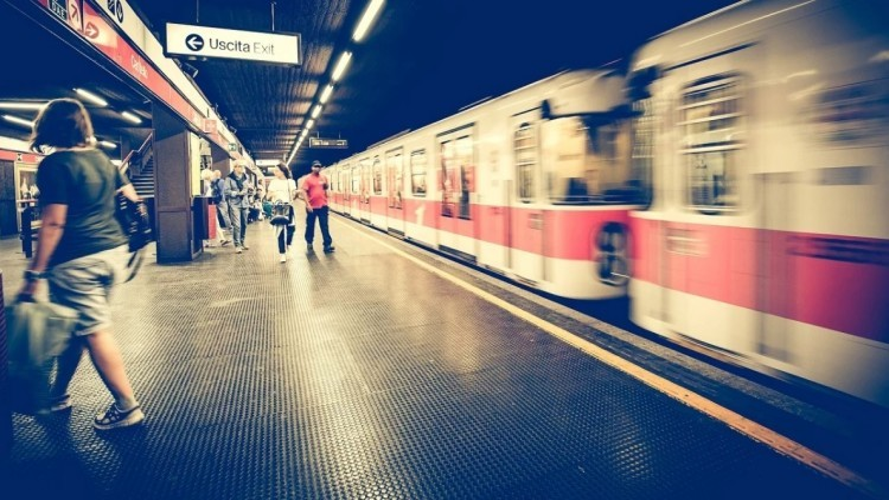 Milano: boom di abbonamenti al trasporto pubblico, + 40% di annuali nei primi 3 mesi