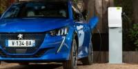 Peugeot e-208 e Suv e-2008: mobilità elettrica anche per i neopatentati