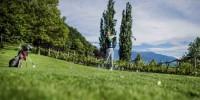 A Lana un torneo di golf tra i meli in fiore