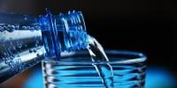 Studio: Italiani pronti a ridurre plastica monouso, ma più della metà consuma acqua in PET