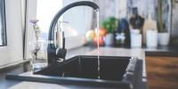 Acqua del rubinetto: oltre l'82% degli italiani la beve