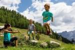 Parchi avventura, gustosi picnic ed esperienze in malga: la Valtellina a misura di bambino