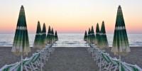 Spiagge, indagine Altroconsumo: prezzi settimanali in aumento del 17% rispetto a 3 anni fa