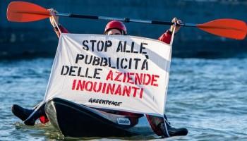 Greenpeace: una petizione per vietare pubblicità delle aziende responsabili della crisi climatica