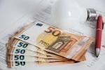 Bollette: con la manovra benefici di 28 euro a famiglia
